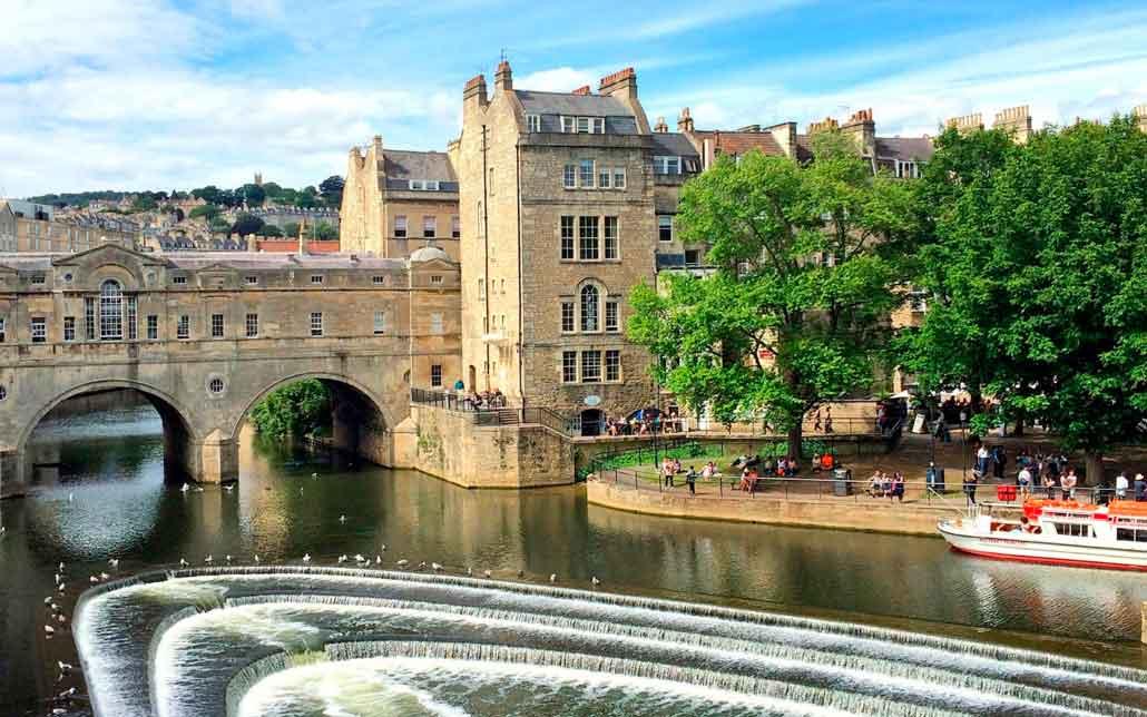 Puente de la ciudad de Bath en Inglaterra.
