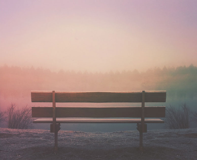 Banco de madera, para sentarse a la espera.